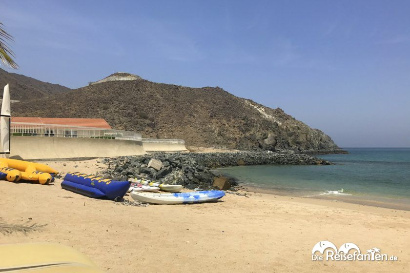 Am Strand des Oceanic Resorts in Khor Fakkan