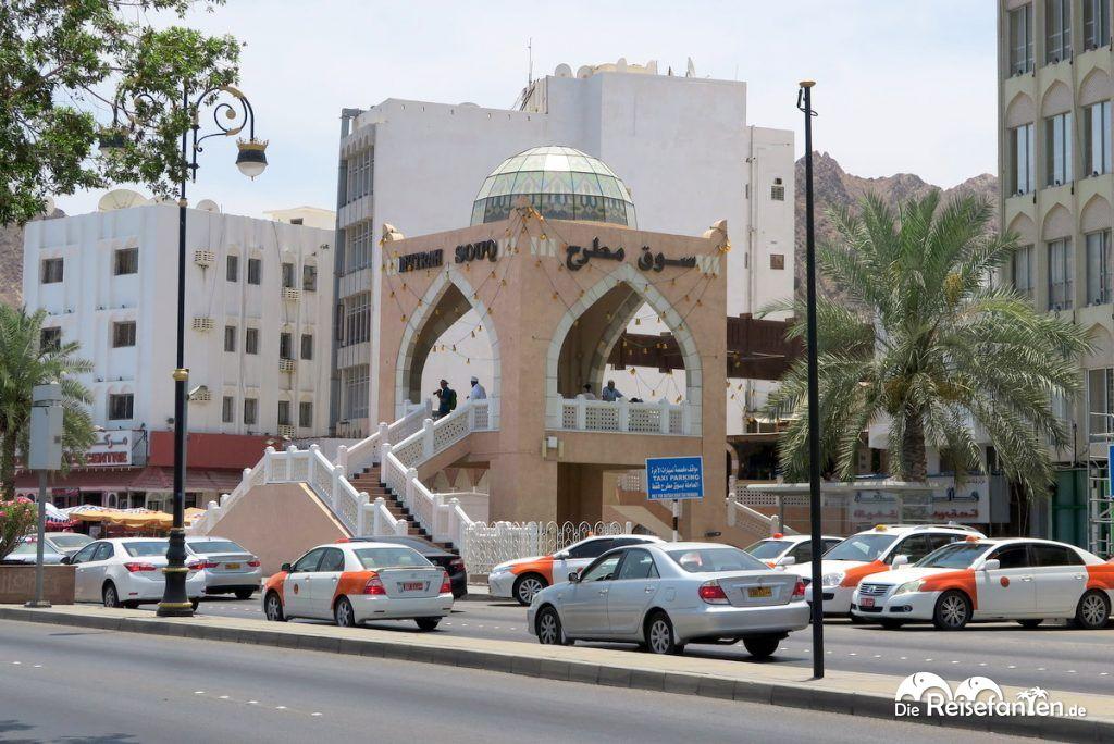 Eingang zum Mutrah Souk in Muscat