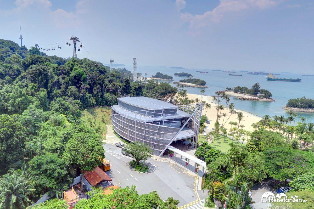 Blick über die Insel Sentosa vor Singapur