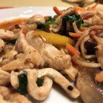 Essen des Mongolian Grill auf der AIDAbella