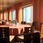 Fenster im Weite Welt Restaurant auf der AIDAbella