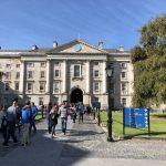 Auf dem Gelände des Trinity Colleges