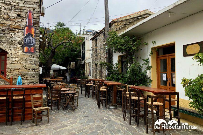Bars im Zentrum von Nas auf Ikaria