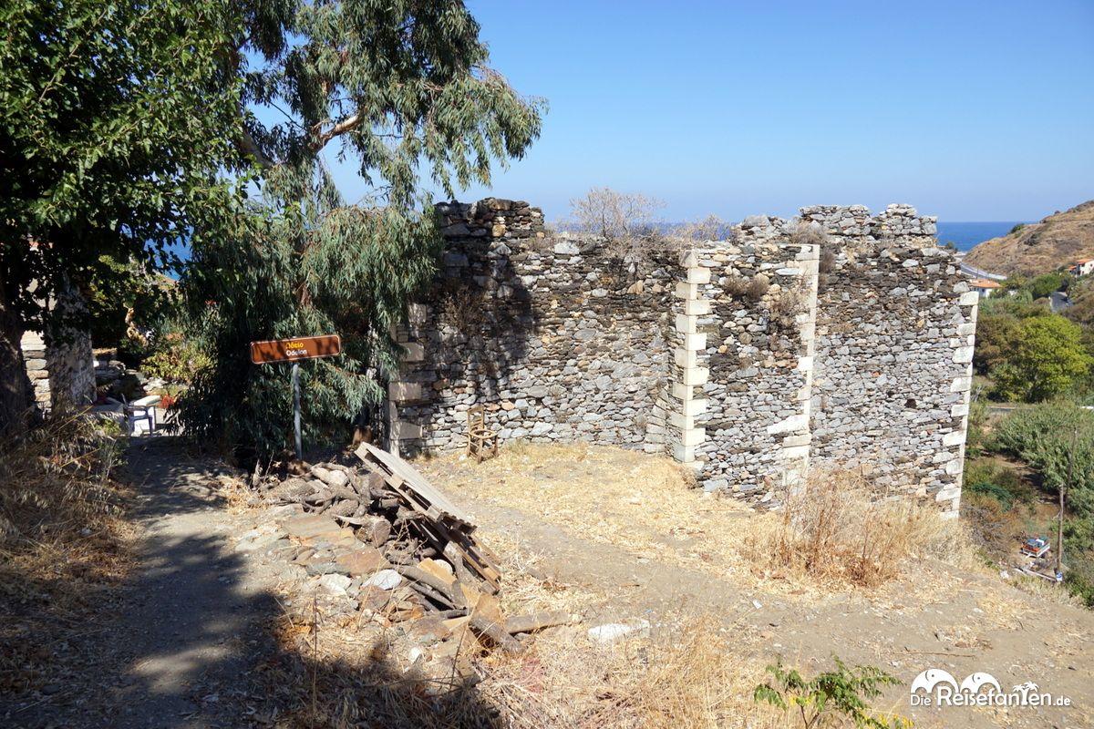 Die Stätte des Odeon auf Ikaria