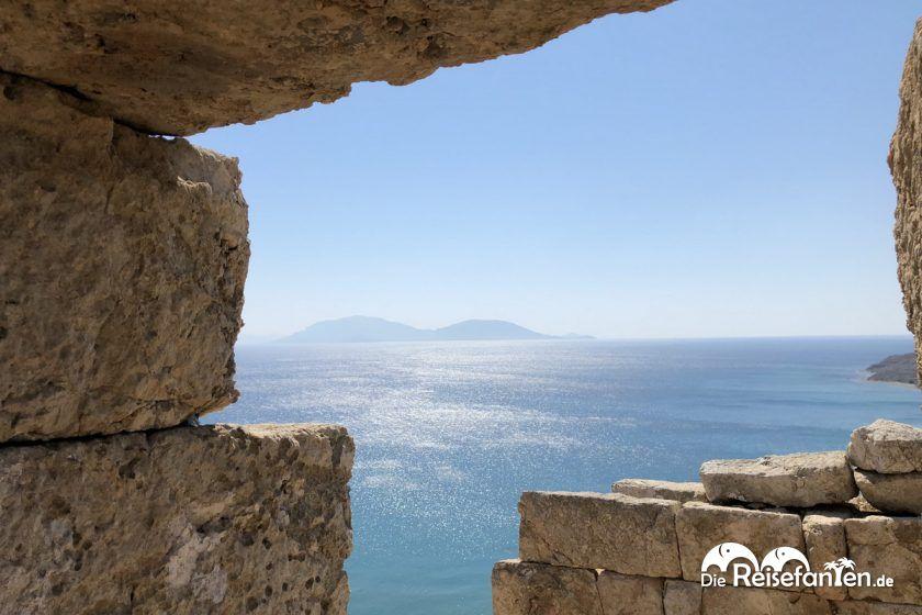Blick auf die Ägäis vom Drakano Turm auf Ikaria