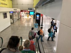 TUI Guides am Flughafen von Malta
