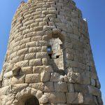 Der historische Drakano Turm auf Ikaria