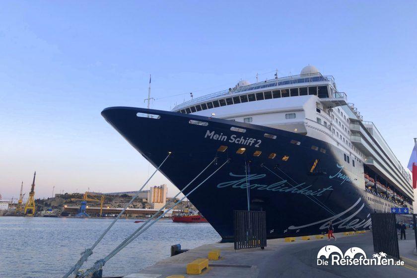 Die Mein Schiff 2 im Hafen vom Malta