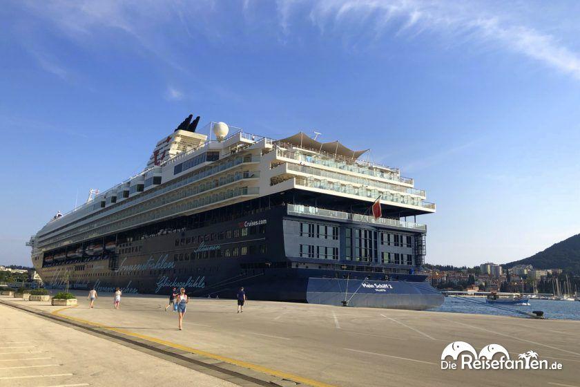 Die Mein Schiff 2 im Hafen von Dubrovnik
