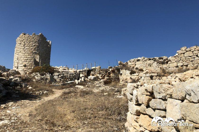 Historische Anlage rund um den Drakano Turm auf Ikaria