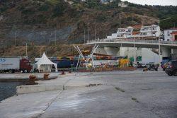 Parkplätze am Hafen von Evdilos auf Ikaria