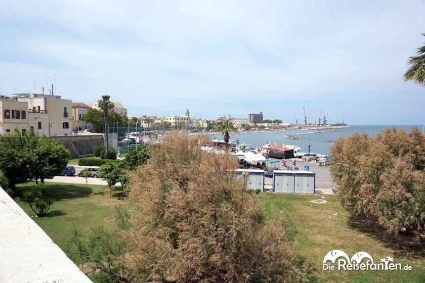 Blick über die Uferpromenade von Bari