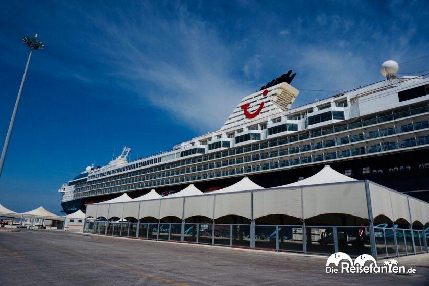 Die Mein Schiff 2 in Bari