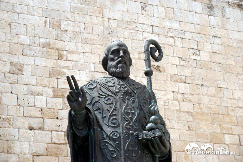 Die Statue des Nikolaus in Bari