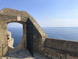 Entlang der Stadtmauer in Dubrovnik