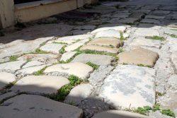 Großes Kopfsteinpflaster in Trogir