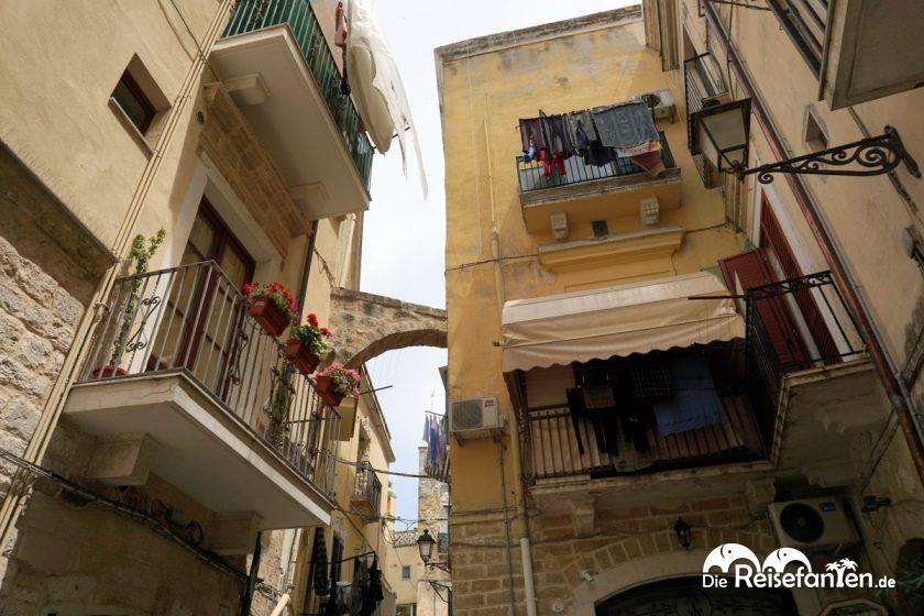 Verwinkelte Bauten in Bari