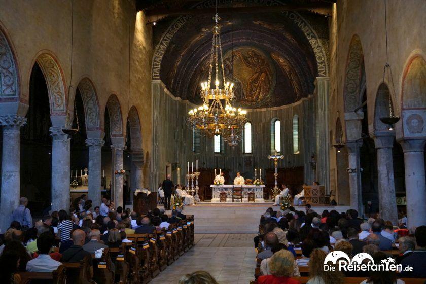 Gottesdienst in der Kathedrale von Triest