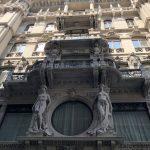 Aufwendige Häuserfassade in Triest
