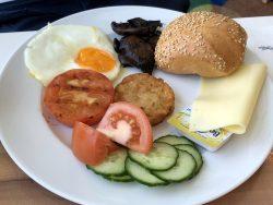 Frühstücksteller auf der Mein Schiff 2