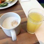 Zum Frühstück auf der Mein Schiff 2 gab es u.a. Kaffee und Saft