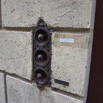 Historische Klingel in Siena.jpeg