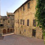 Verträumte Straße in der Altstadt von San Gimignano
