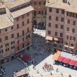 Zugang zum Piazza del Campo in Siena
