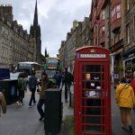 Britische Telefonzelle in Edinburgh