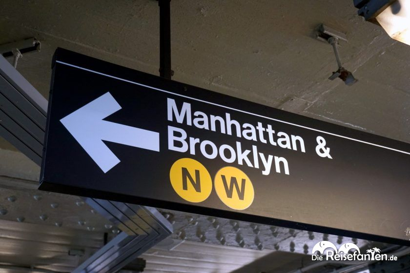 Beschilderung in der Subway von New York City