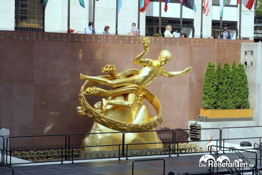 Die Statue des Atlas vor dem Rockefeller Center