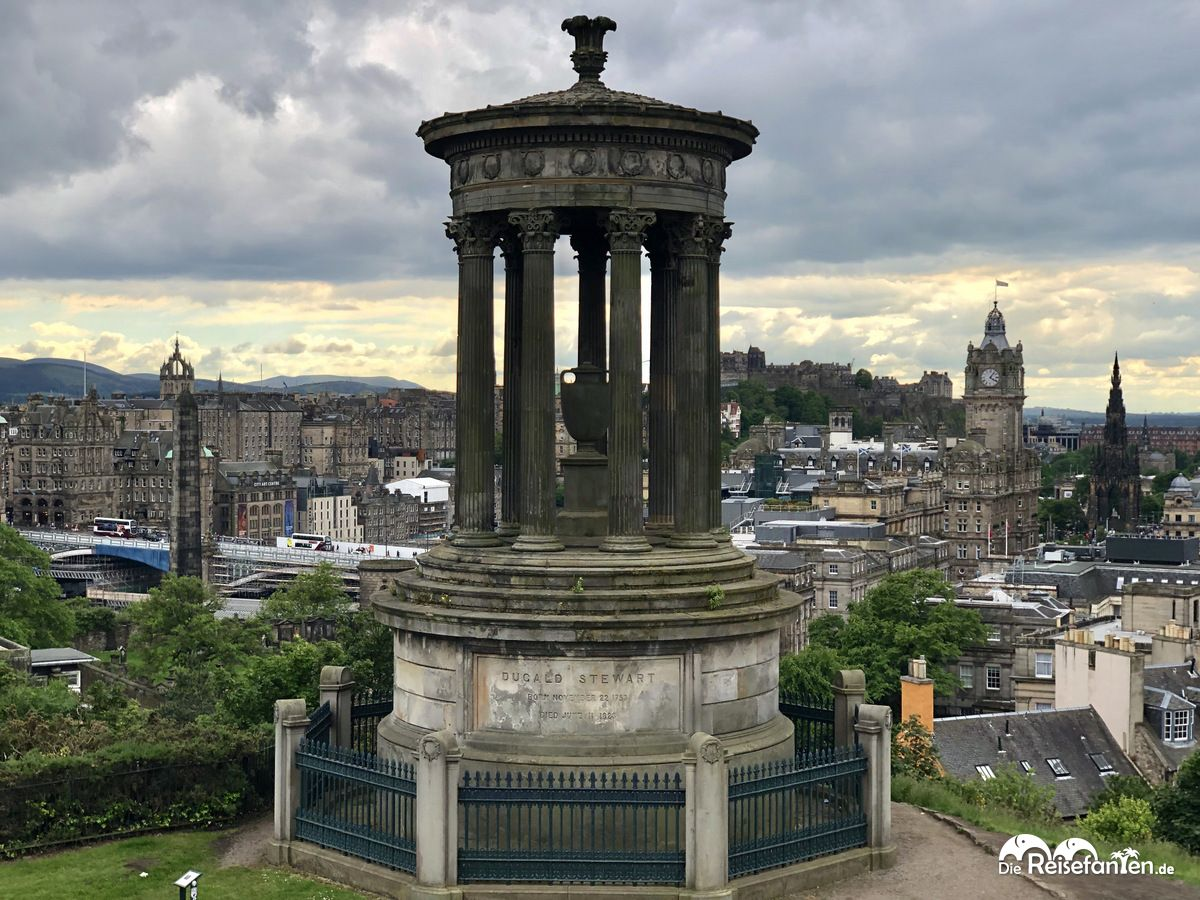 Das Dugart Stewart Monument in Edinburgh