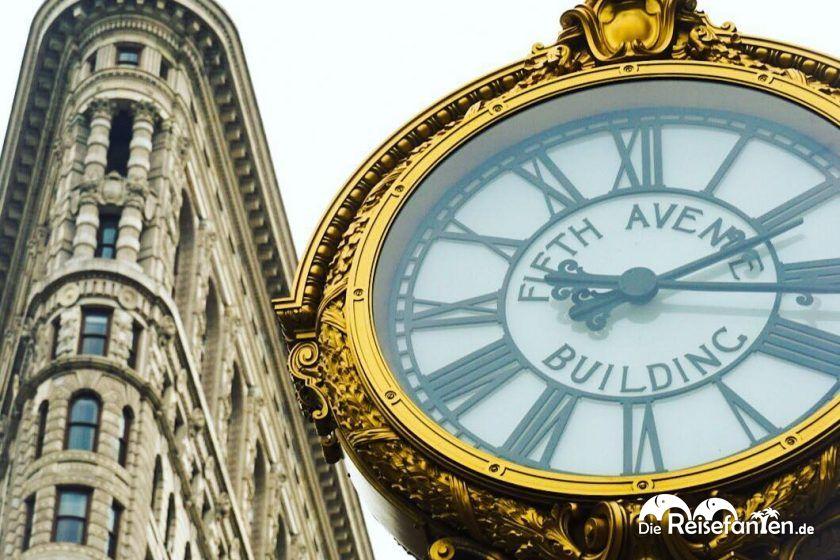 Flatiron Building mit Uhr