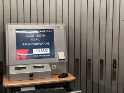 Delta Computer mit Fluginformationen