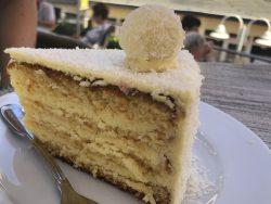 Kokostorte im Cafe Pudding auf Wangerooge