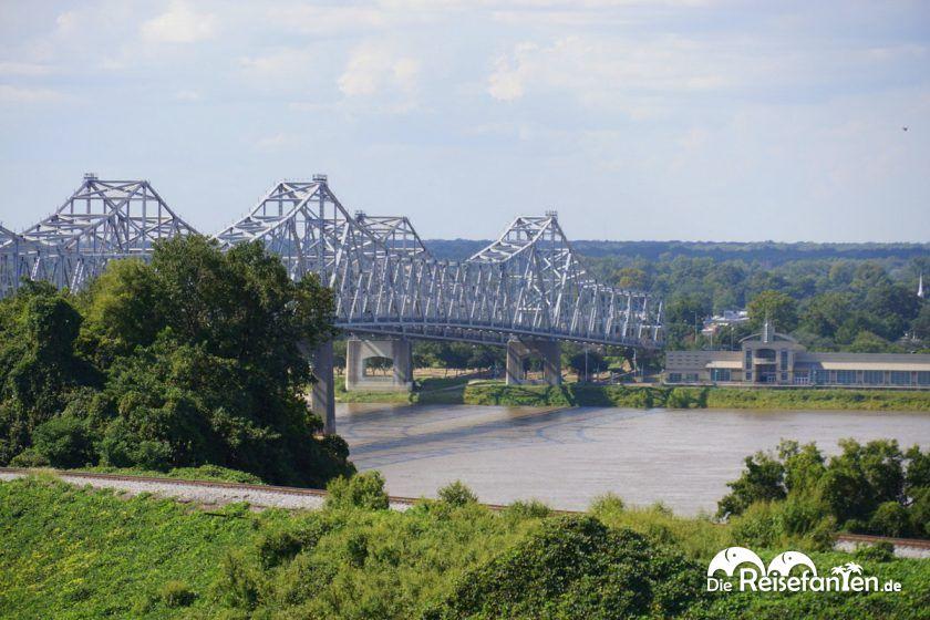 Brücke am Mississippi River