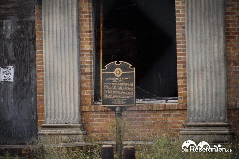 Die Tuttle School aus True Detective ist eigentlich die Kenner High School und mittlerweile abgebrannt