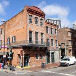 Schöne Häuserecke in New Orleans