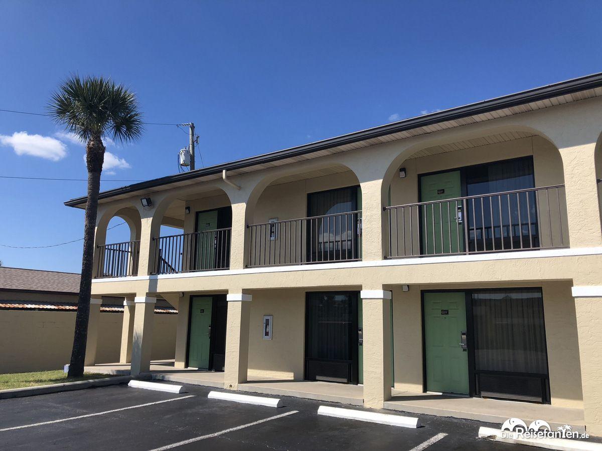 Aussenansicht des Super 8 St. Augustine Beach Hotels