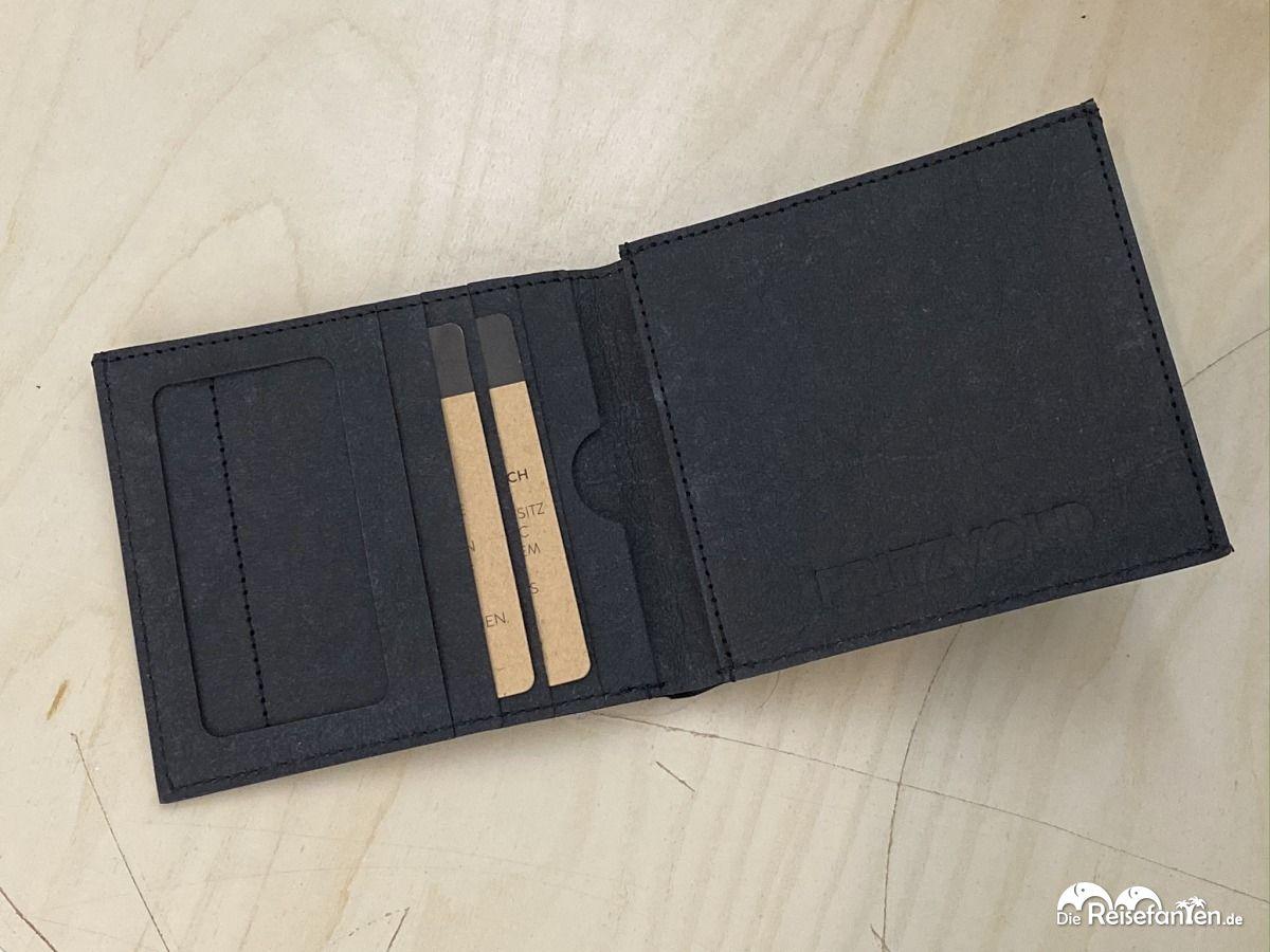 Die Classic Wallet von FRITZVOLD im aufgeklappten Zustand