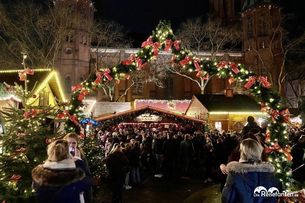 Schöne Ansicht des Lamberti Markts in Oldenburg.jpeg