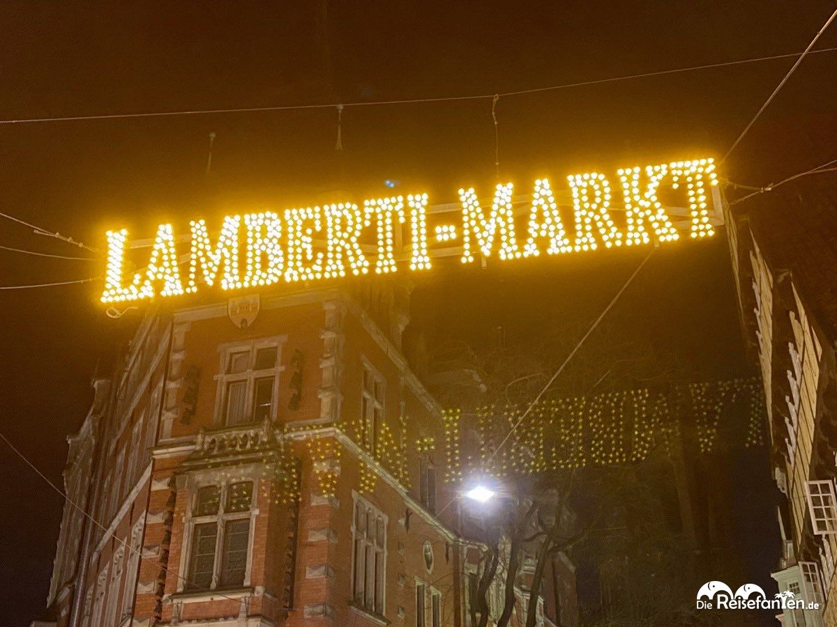 Schild des Lamberti Markts in Oldenburg.jpeg