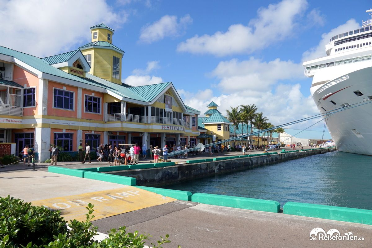 Am Cruise Terminal von Nassau