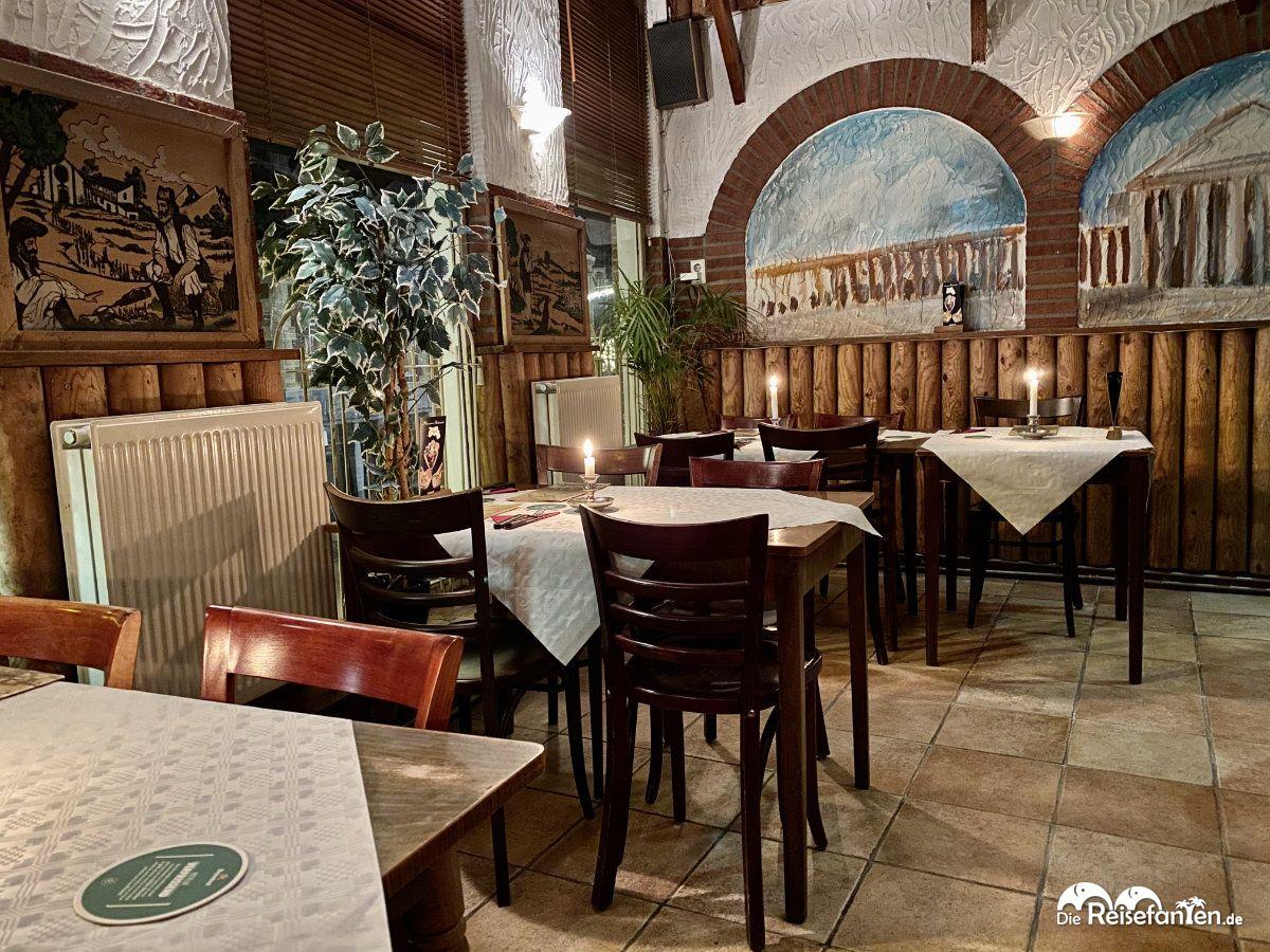 Tische in der Pizzeria Napoli in Groningen