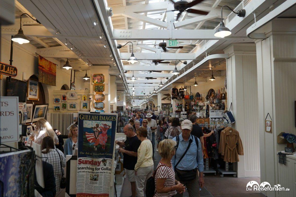 In einem Gebäude des Charleston City Market