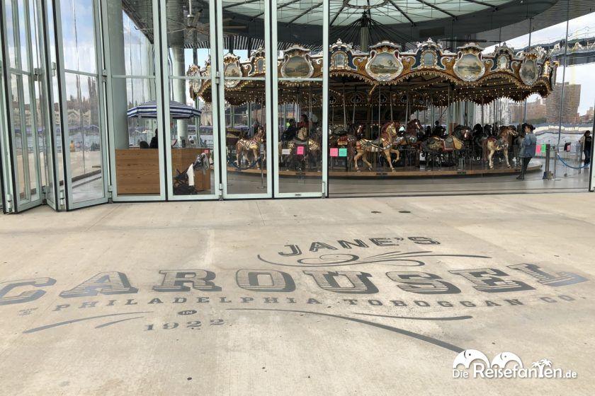 Janes Carousel im Brooklyn Park