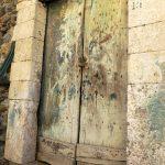 Alte Tür im italienischen Scilla