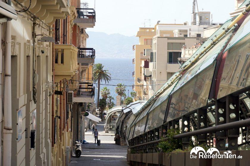 Die Rolltreppen von Reggio Calabria führen bis zum Meer hinunter