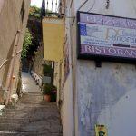 Steile Stufen im italienischen Scilla