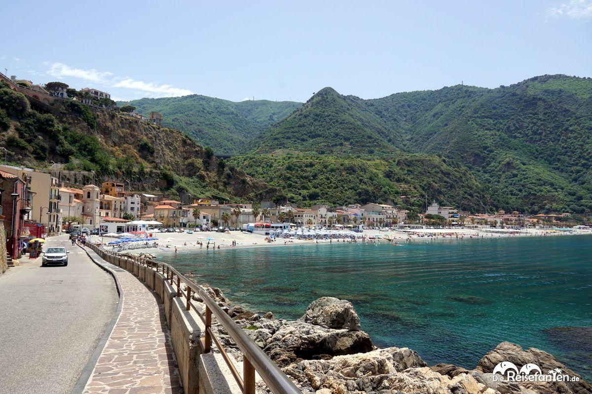 Westliche Seite von Scilla in Italien